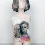 Sentir la couronne de fleurs /terre cuite H45cm