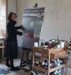 Inès Castilla dans son atelier