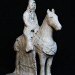 Petit cavalier /grès peint 16x14cm