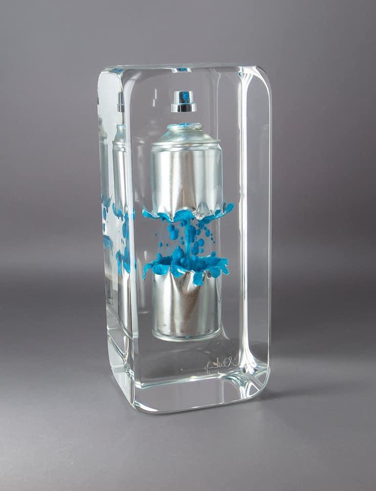 Spray bleu /cristal de synthèse 30x12x12cm