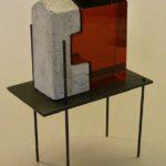 Construction II /verre-béton-ambre foncé