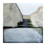 Paysage sur route 16/photographie dépigmentée 30x30cm encadrée