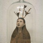 Petit esprit de la forêt /faïence et bois/sous cloche 31x17cm