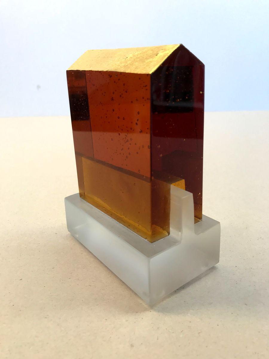 Temple ambre /verre et feuille d'or H14 L10,5cm